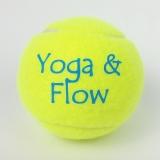 Piłka tenisowa z logo 02